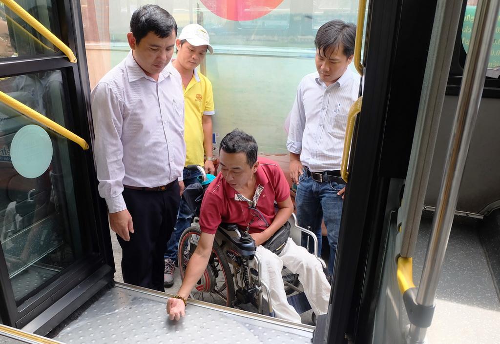 TP.HCM tổng cải tổ lấy lại hình ảnh xe buýt - Ảnh 1.