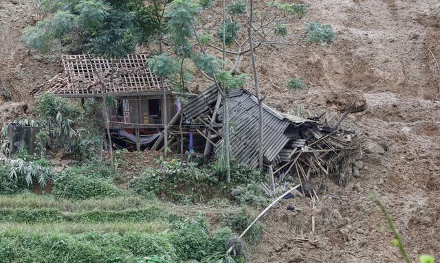 95 người chết và mất tích do mưa lũ - ảnh 1