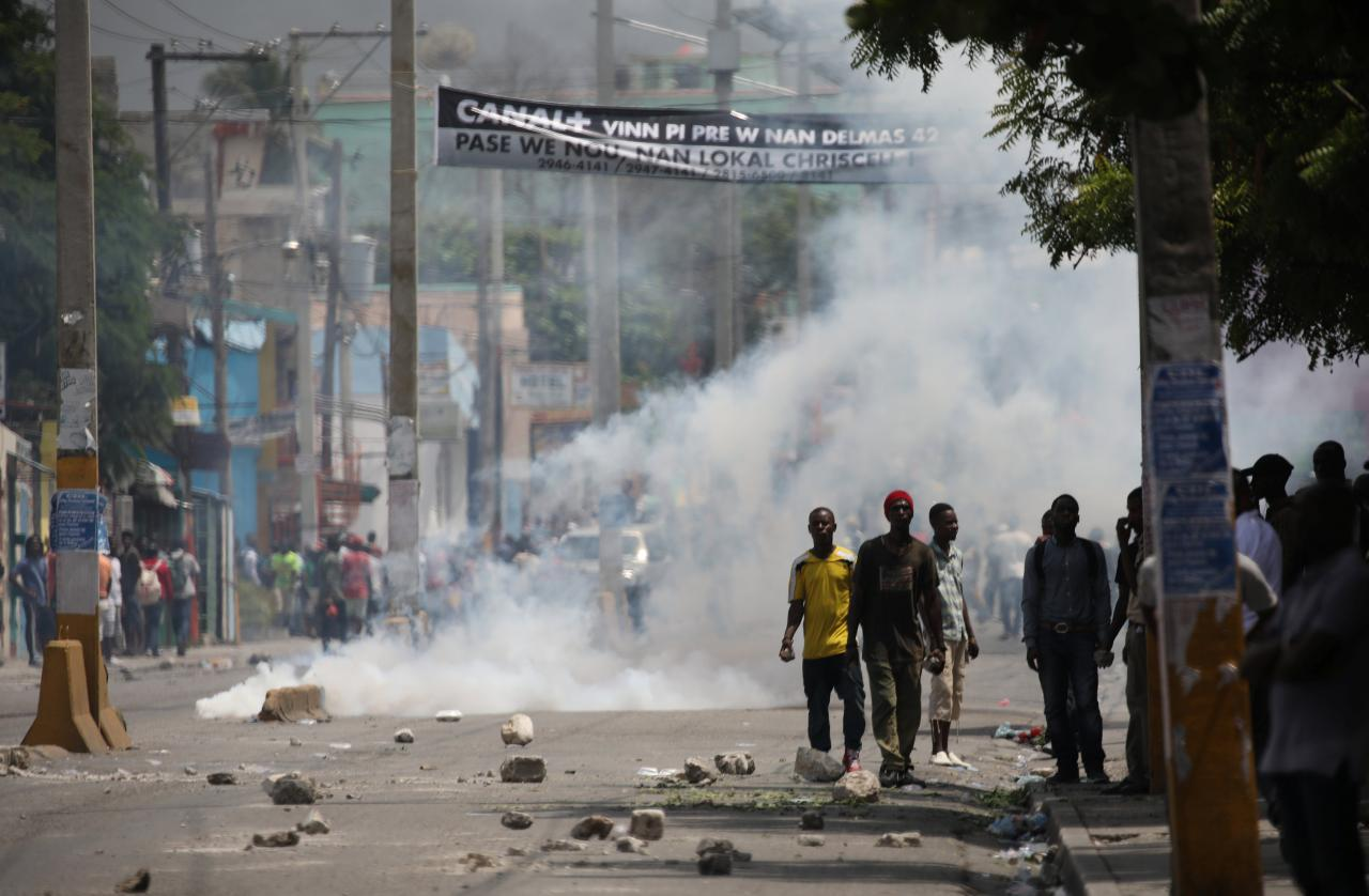 Dân Haiti bạo động vì chính phủ tăng thuế - Ảnh 1.