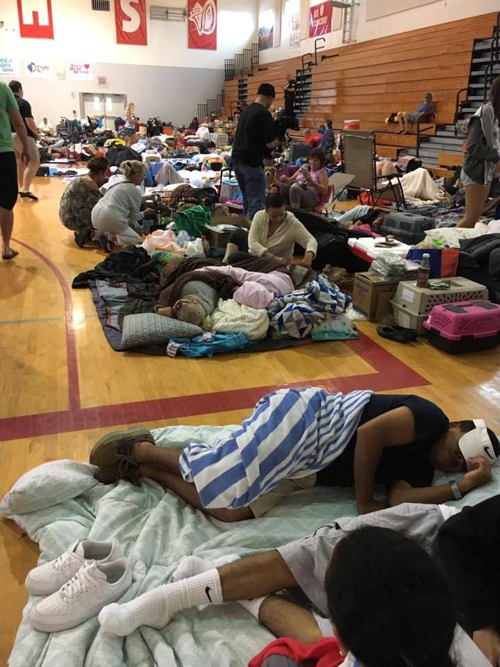 Đổ bộ Florida, bão Irma tăng lên cấp 4 - Ảnh 3.