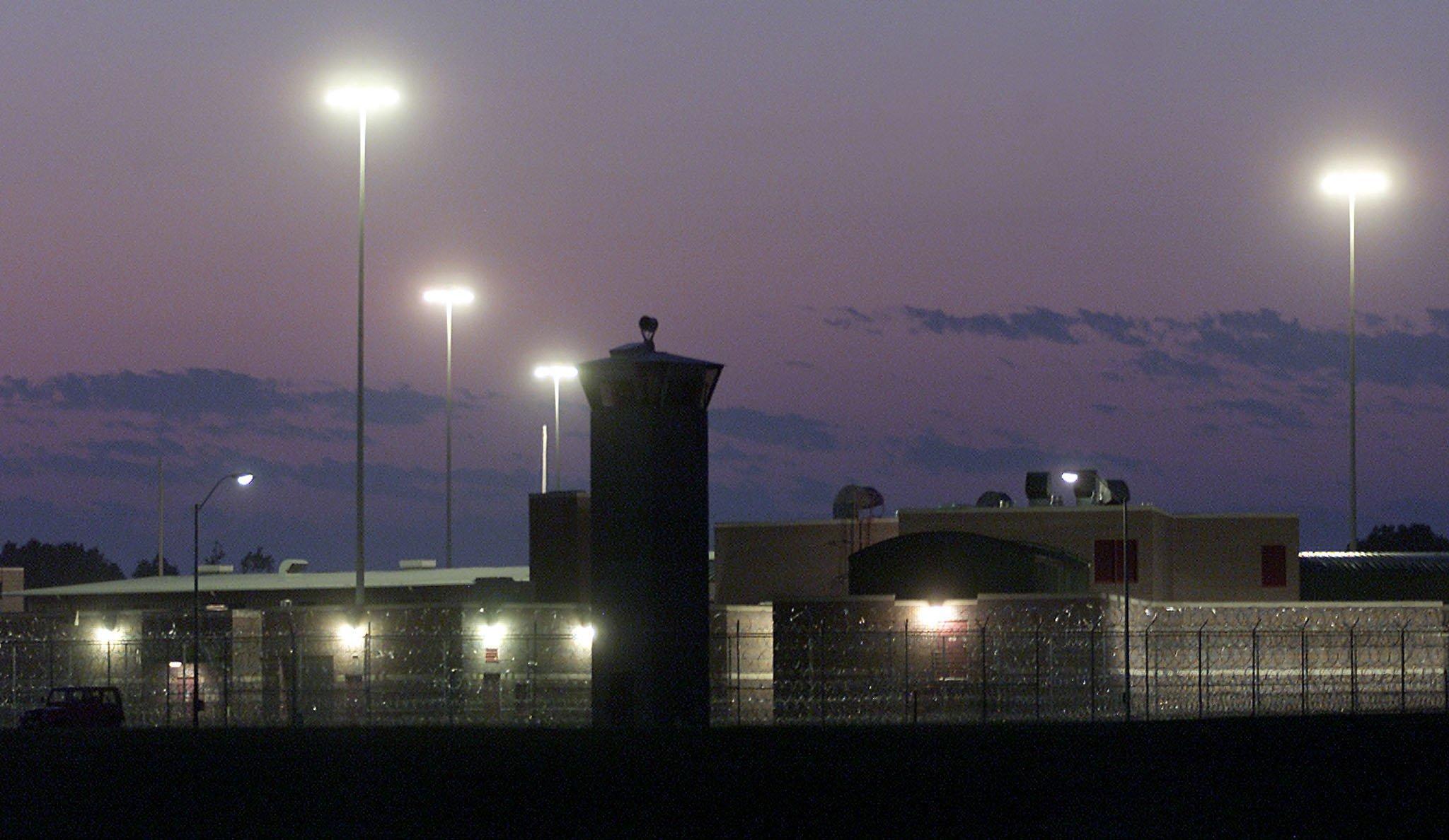 Điểm qua 10 nhà tù kiên cố nhất thế giới - Ảnh 6.