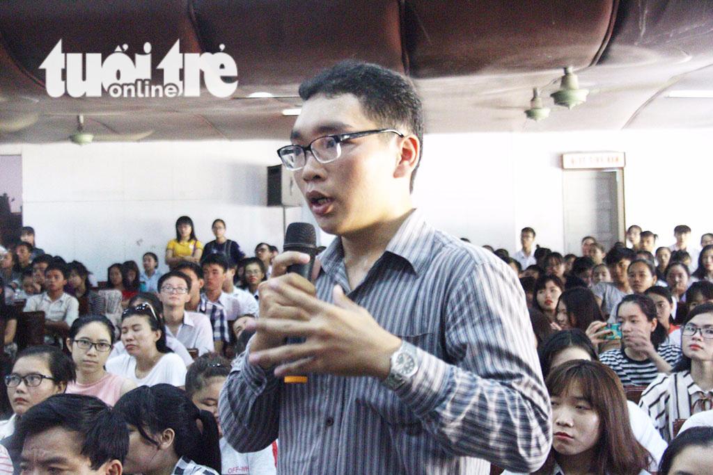 GS Ngô Bảo Châu: Đừng băn khoăn về vật chất khi chọn nghề giáo - Ảnh 2.