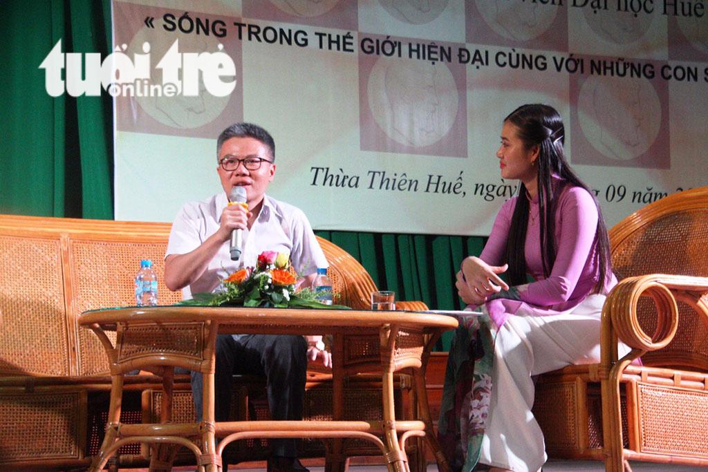 GS Ngô Bảo Châu: Đừng băn khoăn về vật chất khi chọn nghề giáo - Ảnh 1.