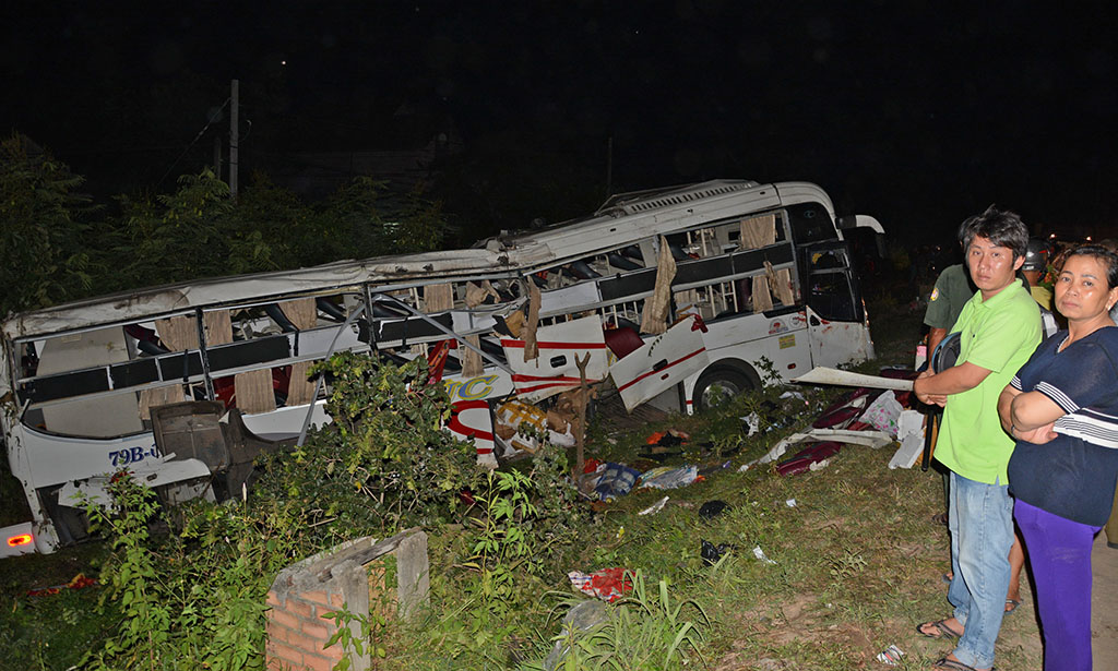 Bé trai 5 tháng thoát nạn kỳ diệu trong tai nạn xe Cúc Tùng - Ảnh 3.