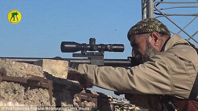 Huyền thoại bắn tỉa khủng bố ở Iraq tử trận - Ảnh 2.