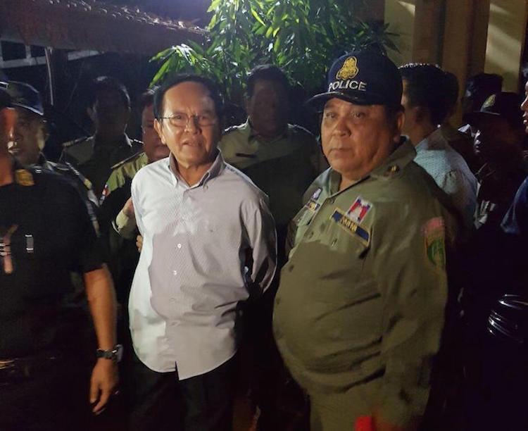 Thủ tướng Hun Sen đòi giải tán đảng đối lập - Ảnh 1.