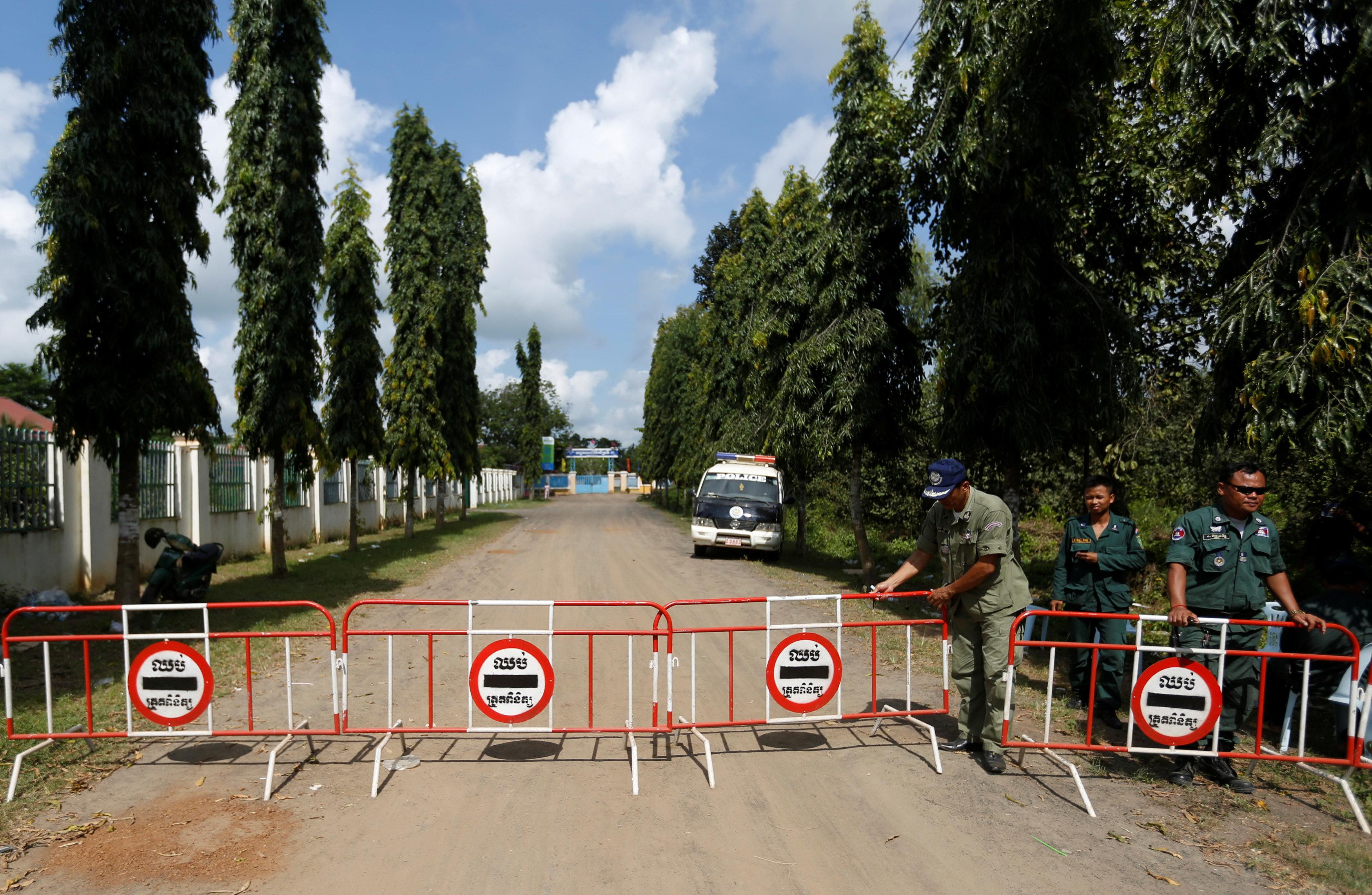 Thủ tướng Hun Sen đòi giải tán đảng đối lập - Ảnh 2.