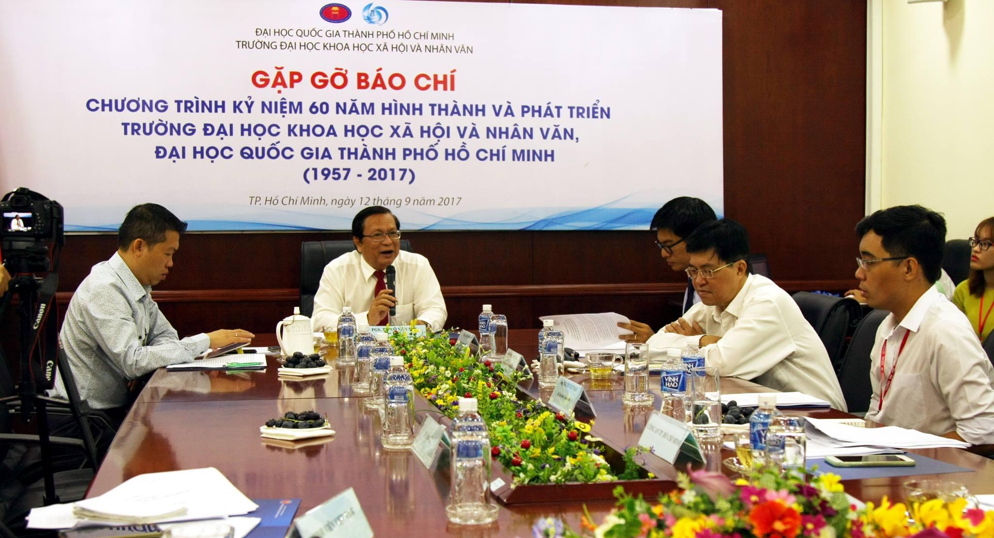 ĐH KHXH&NV TP.HCM công bố danh sách 60 cựu sinh viên tiêu biểu - Ảnh 1.