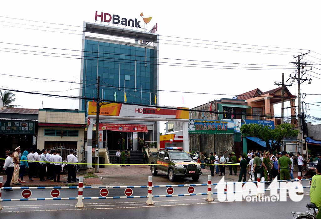 Tạm giữ anh trai nghi can cướp ngân hàng HD Bank ở Đồng Nai - Ảnh 1.