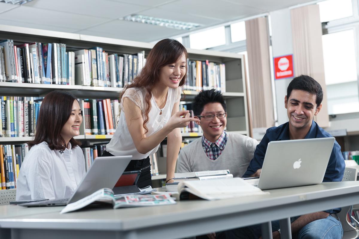 Du học châu Âu/Singapore, có cần SAT? - Ảnh 1.