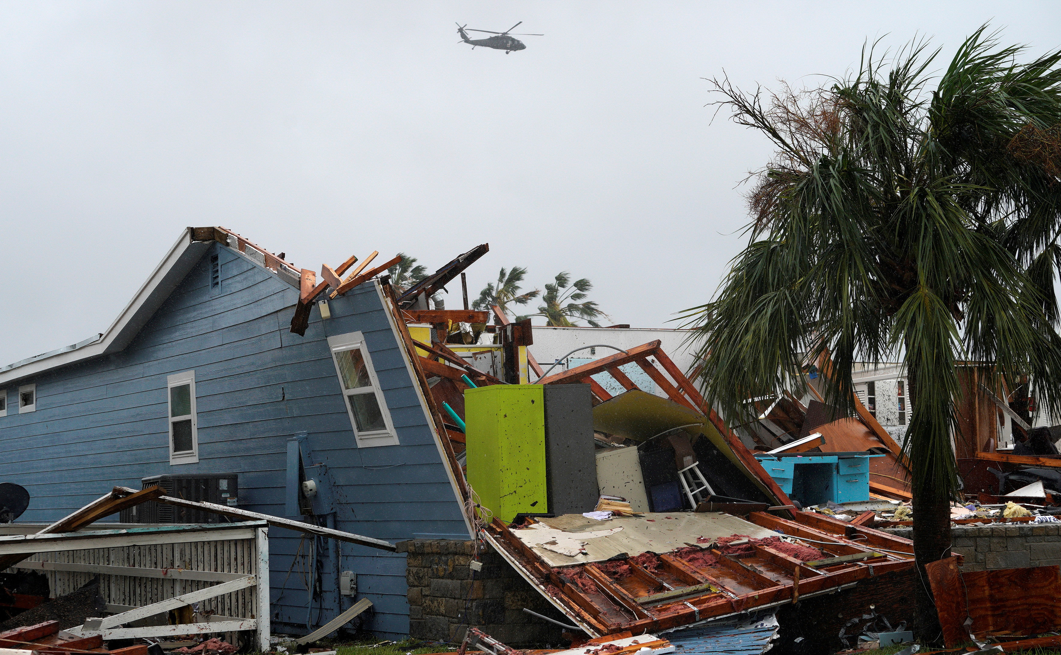 Bão Irma và Harvey thổi bay hàng chục tỉ đô - Ảnh 2.