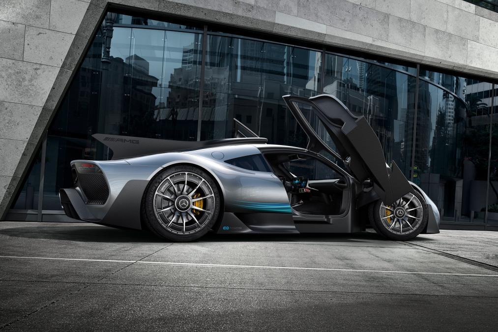 Mercedes ra mắt siêu xe hybrid: khi xe đua thành xe chạy trên phố - Ảnh 6.
