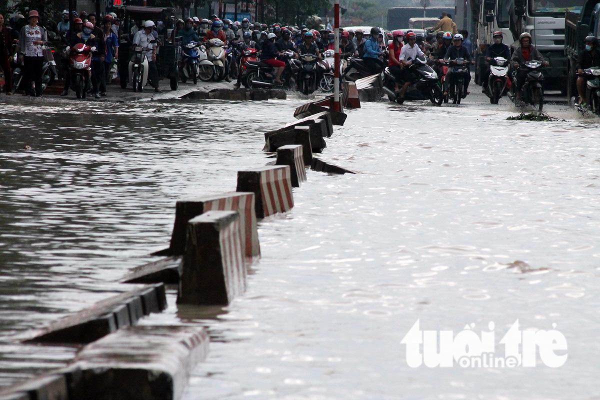 TP.HCM và Nam Bộ mưa nhiều hai ngày tới - Ảnh 1.