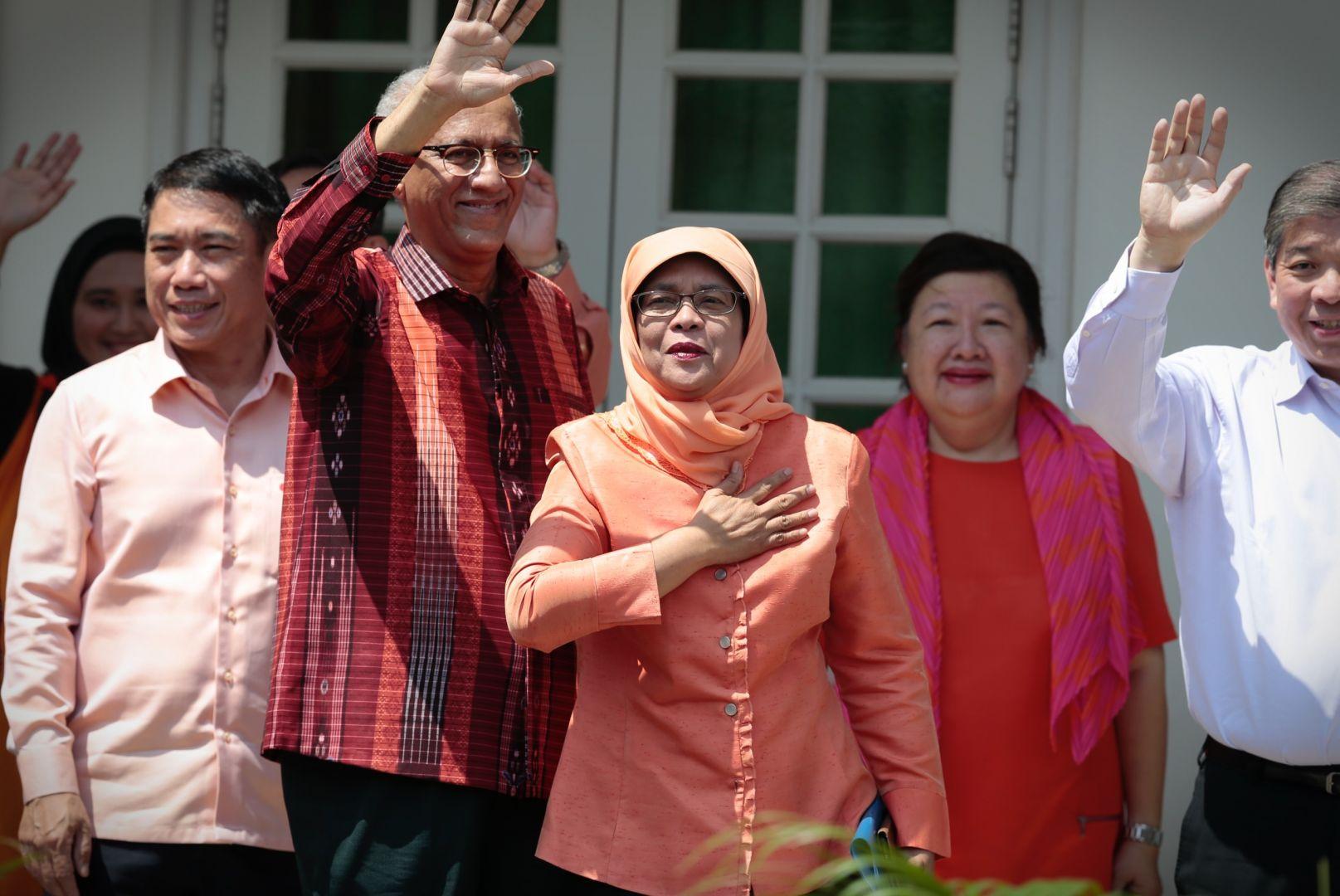Singapore lần đầu có nữ tổng thống - Ảnh 1.