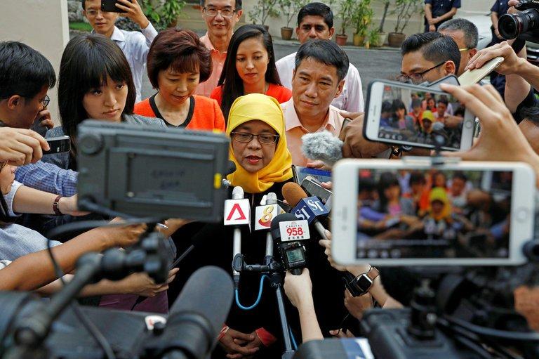 Singapore lần đầu có nữ tổng thống - Ảnh 3.