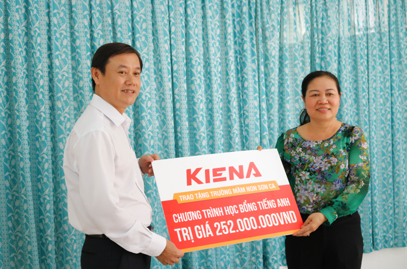 Kiến Á Group tặng gói tài trợ gần 400 triệu đồng cho cụm trường học Khu đô thị Cát Lái - Ảnh 1.