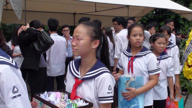 Nghẹn ngào đưa tiễn PGS-TS Văn Như Cương về cõi vĩnh hằng - Ảnh 19.