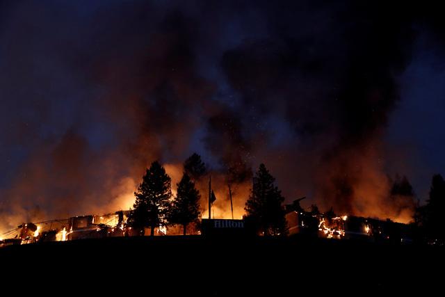 Ít nhất 10 người chết vì cháy rừng ở California - Ảnh 1.