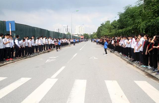 Nghẹn ngào đưa tiễn PGS-TS Văn Như Cương về cõi vĩnh hằng - Ảnh 7.