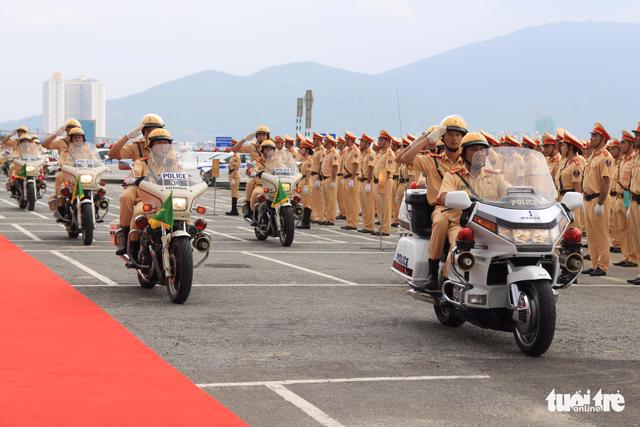 Gần 800 cảnh sát giao thông xuất quân bảo vệ APEC 2017 - Ảnh 1.
