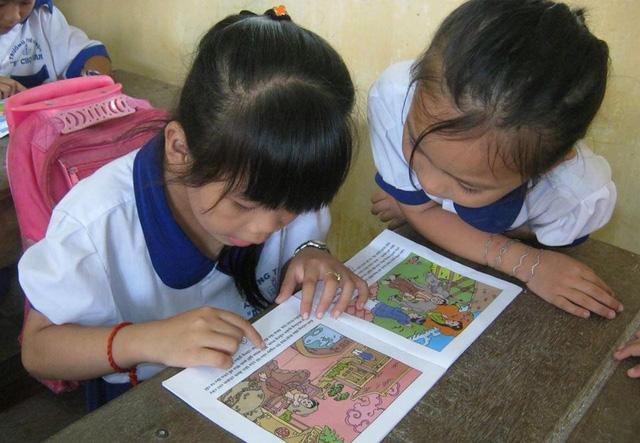 Trẻ miền quê khát sách: Quyền đọc sách của trẻ em - Ảnh 1.