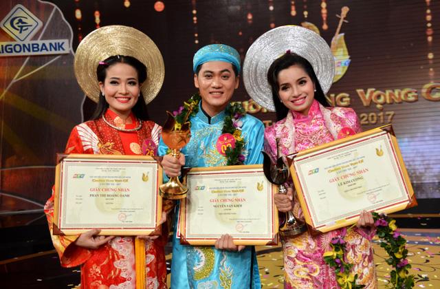 Nguyễn Văn Khởi giành Chuông vàng vọng cổ 2017 với 100 triệu đồng - Ảnh 8.