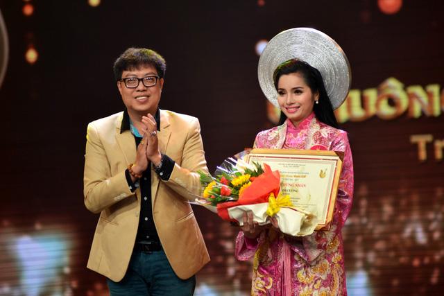 Nguyễn Văn Khởi giành Chuông vàng vọng cổ 2017 với 100 triệu đồng - Ảnh 9.
