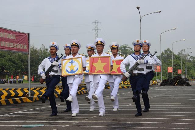 Thượng cờ 2 tàu tên lửa tấn công nhanh do Việt Nam đóng - Ảnh 8.