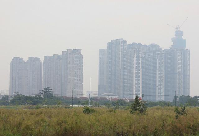 Sài Gòn giữa trưa cứ như chiều tối - Ảnh 5.
