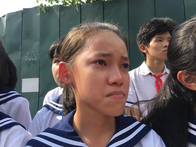 Nghẹn ngào đưa tiễn PGS-TS Văn Như Cương về cõi vĩnh hằng - Ảnh 13.