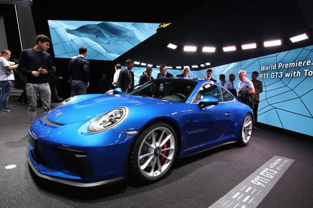 Những chiếc xe hơi hấp dẫn nhất Frankfurt Motor Show (Phần 2) - ảnh 10