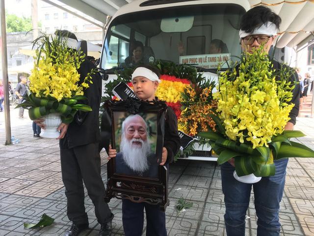 Nghẹn ngào đưa tiễn PGS-TS Văn Như Cương về cõi vĩnh hằng - Ảnh 11.