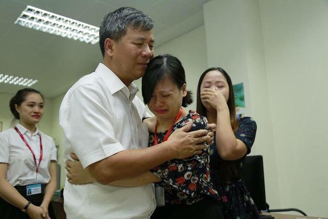Cuộc chia tay hiếm có khi bác sĩ Nguyễn Anh Trí về hưu  - Ảnh 2.