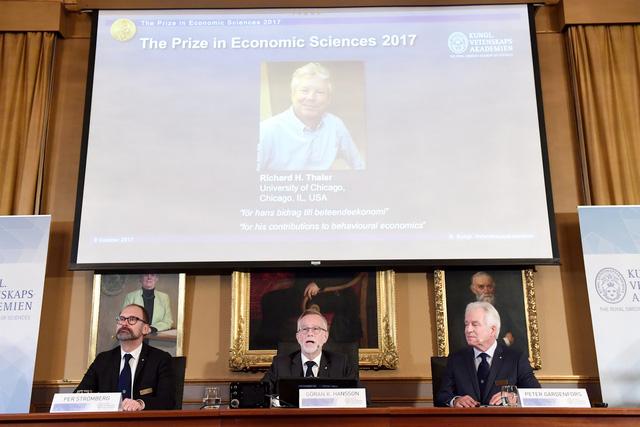 Giáo sư ĐH Chicago thắng giải Nobel kinh tế 2017 - Ảnh 2.