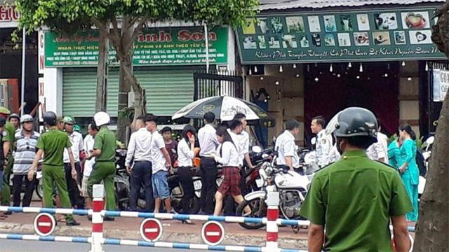 Nhóm cướp dùng trái nổ tự tạo cướp ngân hàng HD Bank - Ảnh 3.