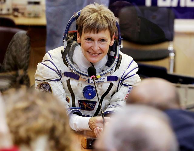Những kỷ lục đỉnh của nữ phi hành gia Mỹ - Ảnh 1.