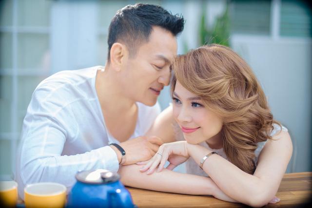 Thanh Thảo tình tứ cùng bạn đời trong album Valentine - Ảnh 3.