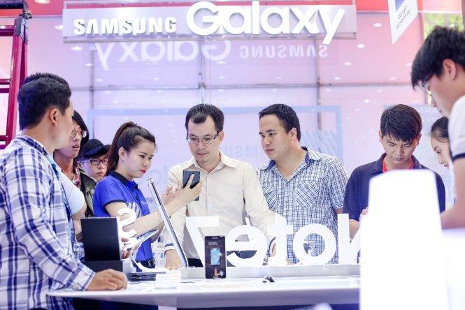 """Galaxy Note7 """"lên kệ"""" tại Việt Nam, cùng lúc với các nước lớn khác trên thế giới"""