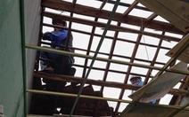 Lốc xoáy trong đêm làm 45 ngôi nhà tốc mái