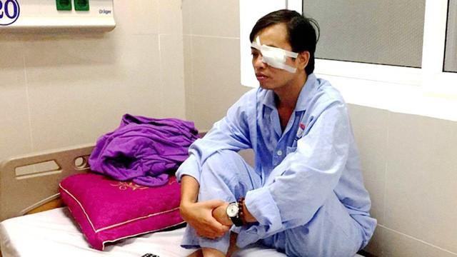 Khởi tố thêm hai người trong vụ hành hung bác sĩ ở Quảng Bình - Ảnh 1.