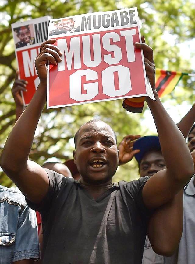 Cải cách ruộng đất kiểu cướp của đẩy Zimbabwe xuống vực - Ảnh 4.