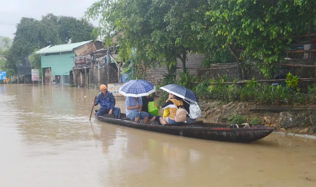 Bão lụt miền Trung 2017