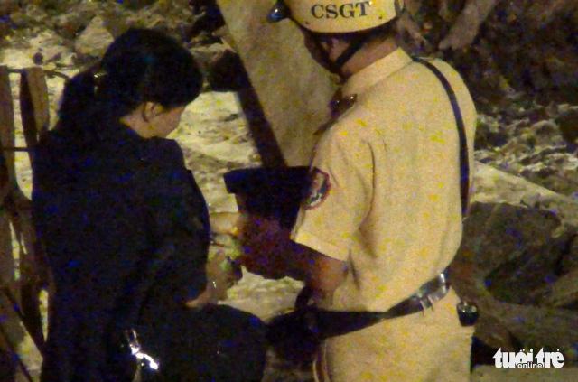Cảnh sát giao thông làm luật ở cửa ngõ Tân Sơn Nhất - Ảnh 5.