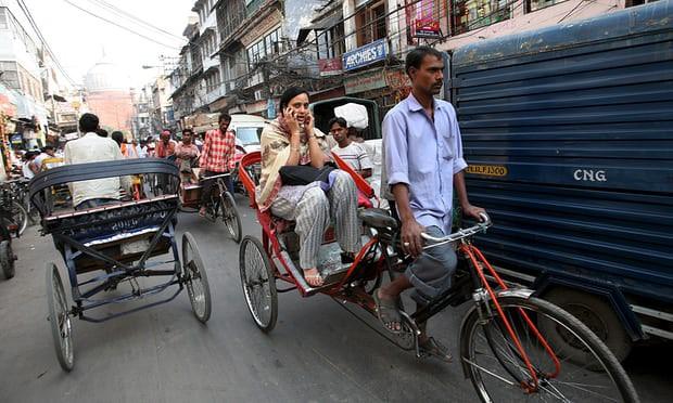 Ấn Độ: Phải học giới tính mới được lái taxi, chạy xe đạp thồ - Ảnh 1.