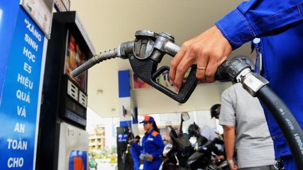 Giá thực phẩm và xăng dầu đẩy CPI tháng 10 tăng - Ảnh 1.