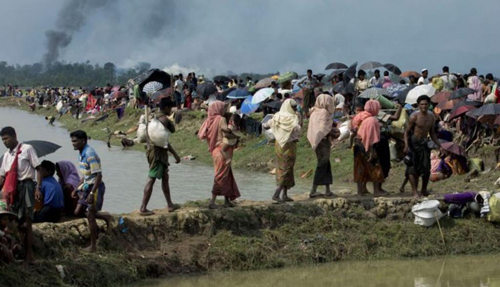 Tin giả là vũ khí khiến bất ổn ở Myanmar gia tăng - Ảnh 1.