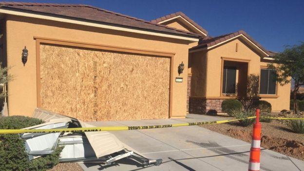 Người Mỹ bối rối về động cơ của hung thủ vụ xả súng Las Vegas - Ảnh 4.