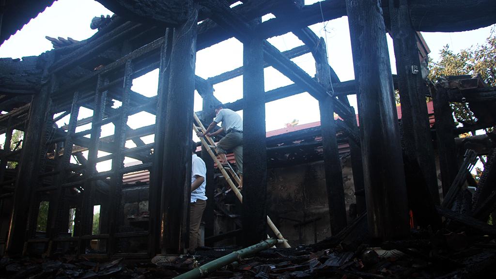 Hỏa hoạn thiêu rụi đền Độc Lôi Sơn ở Nghệ An - Ảnh 2.