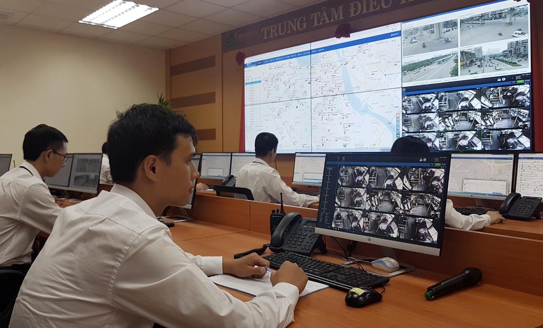 Dùng điện thoại thông minh tìm xe buýt ở Hà Nội - Ảnh 1.