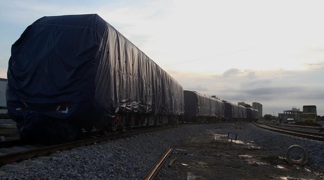 Sau rà soát, mỗi kilômet đường sắt Hà Nội giảm 1.000 tỉ đồng (Tuổi Trẻ)